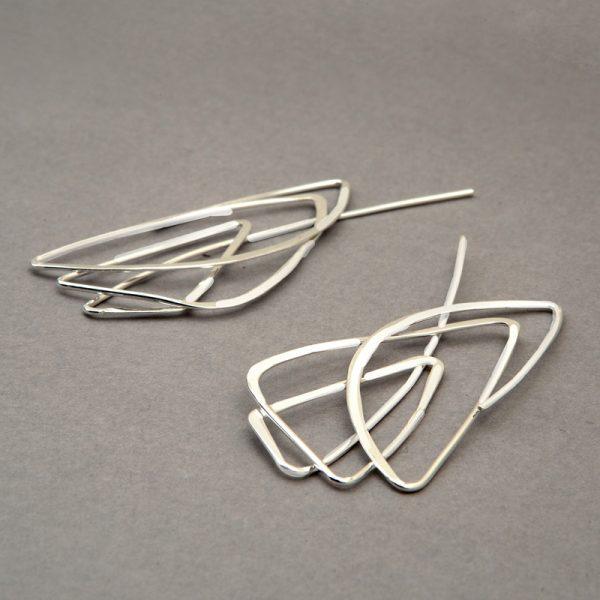 Garabato Triángulo - aretes de plata 925 con baño de oro de 18k
